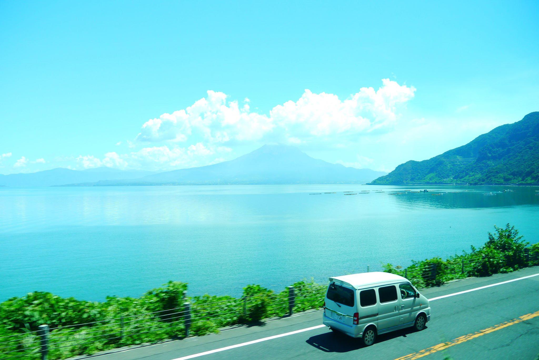 作JR九州鐵道,發現鹿兒島的櫻島