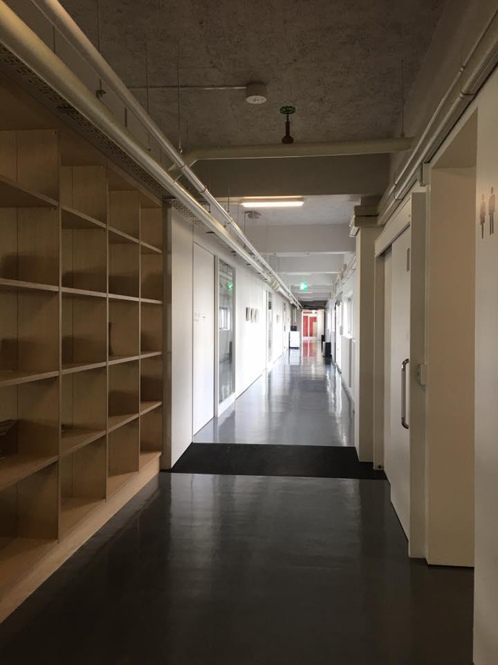 走廊與櫃子