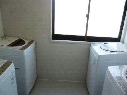 4樓洗衣間和曬衣場